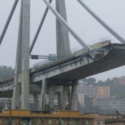 Genova, crolla il ponte Morandi dell'autostrada A10. Almeno 11 morti