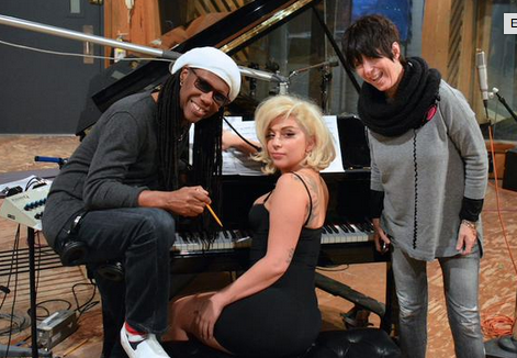 Lady Gaga annuncia l'imminente rilascio di un nuovo brano nel 2015, si tratta della canzone Till It Happens to You, registrata con Diane Warren