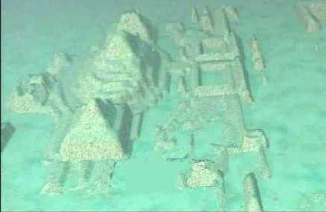 Scoperta una città con Sfingi e Piramidi Giganti sommersa nel Triangolo delle Bermuda