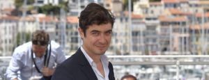"""Italian actor and producer Riccardo Scamarcio poses on May 19, 2016 during a photocall for the film """"Pericle (Pericle il Nero)"""" at the 69th Cannes Film Festival in Cannes, southern France.  / AFP / LOIC VENANCE        (Photo credit should read LOIC VENANCE/AFP/Getty Images)"""