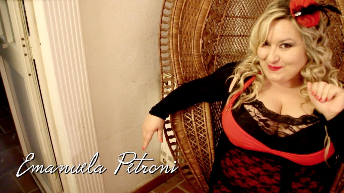 Emanuela Petroni nel videoclip di MAURIZIO MARTINI - Dio c'é