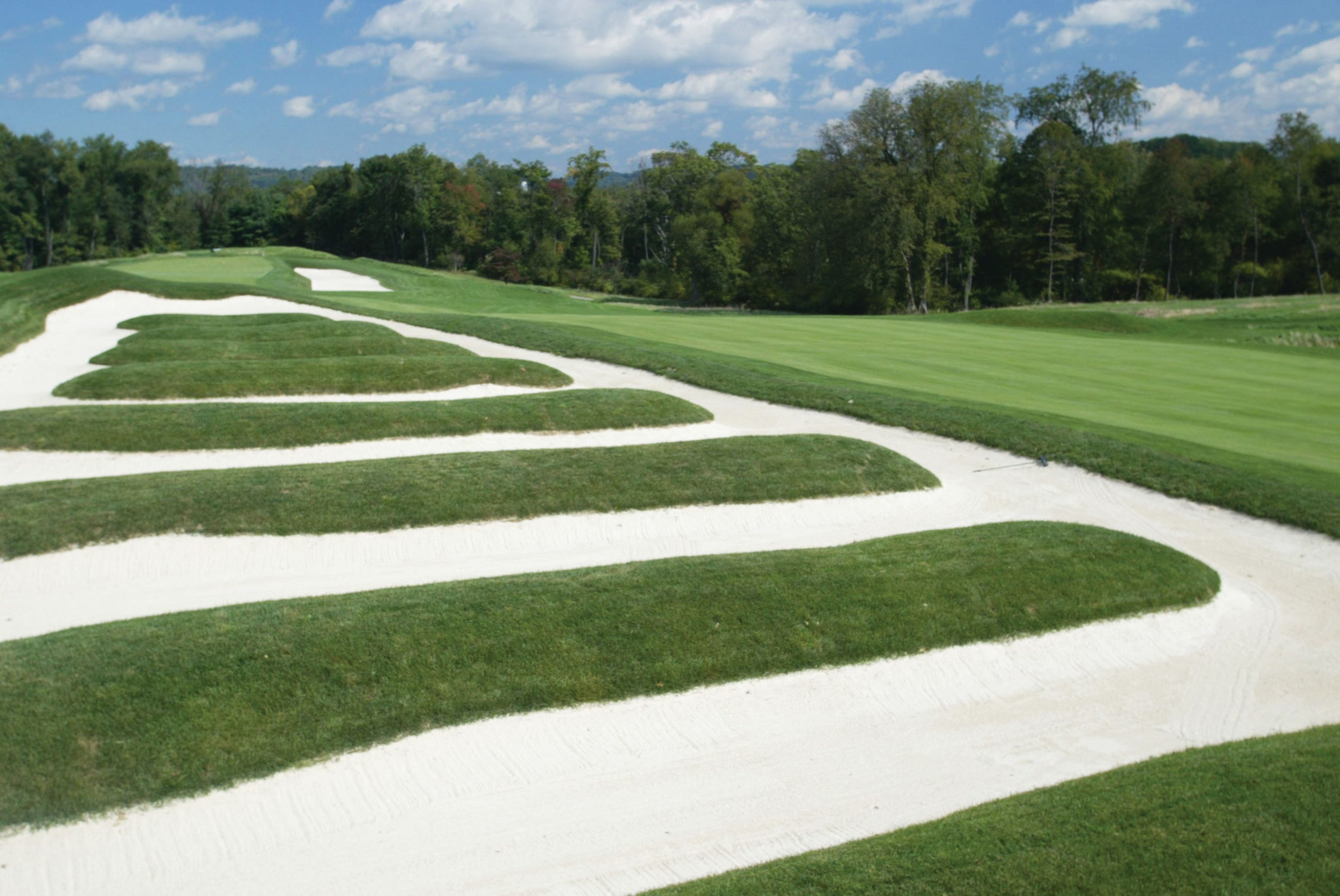 OAKMONT, PA- SEPTEMBER 26:  General view of the church pew bunkering on the 15th hole at Oakmont Country Club, site of the 2007 US Open on September 26, 2006 in Oakmont, Pensylvania. (Photo by Rick Stewart/Getty Images)