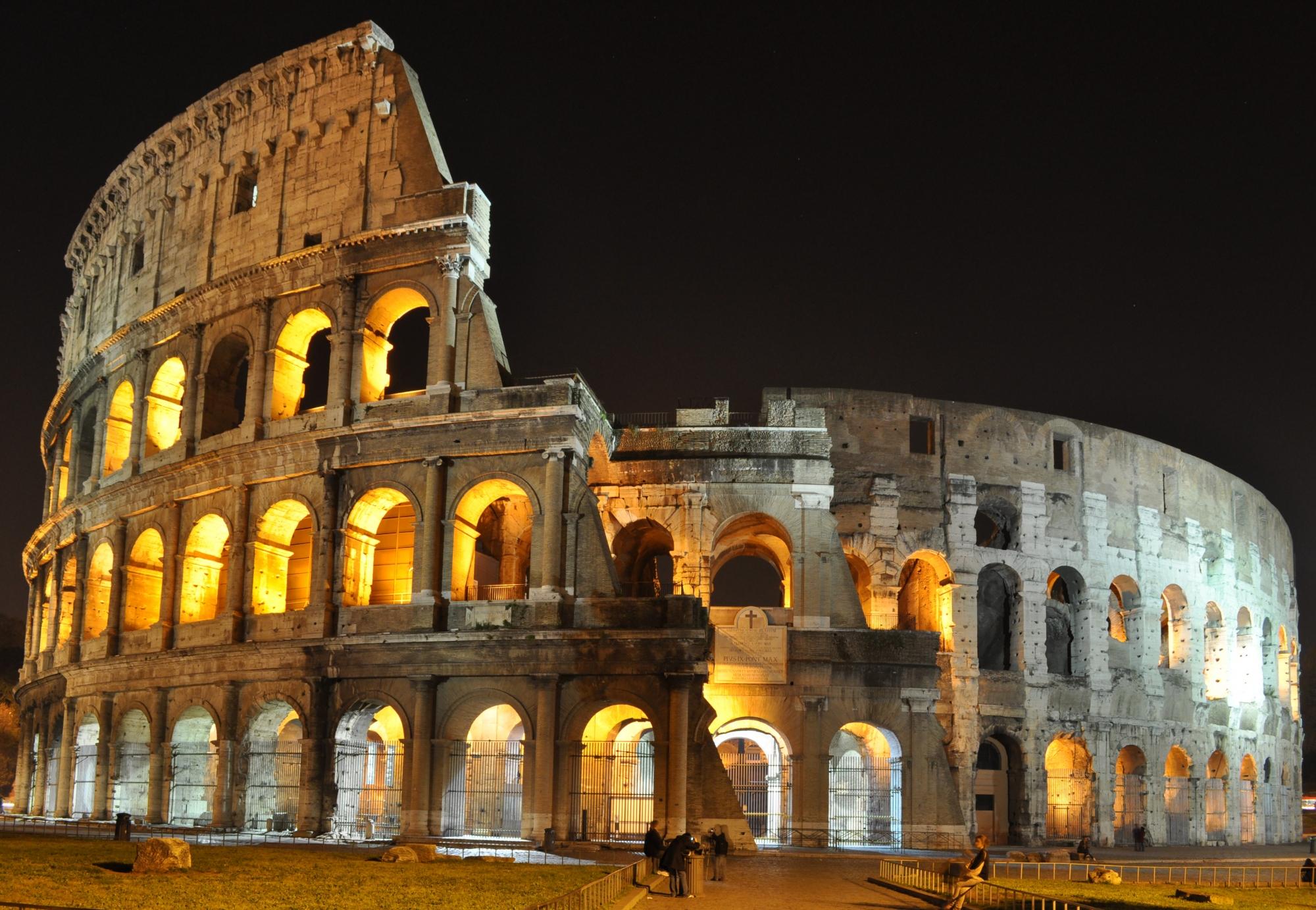 colosseo-roma-notte