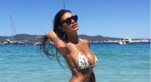 1810269_cristina_buccino_bikini_ibizia
