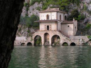 madonna-del-lago-scanno