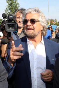 Beppe Grillo all' inaugurazione della nuova palestra di Quarantoli (Mirandola) in provincia di Modena  1 ottobre 2016.ANSA/ELISABETTA BARACCHI