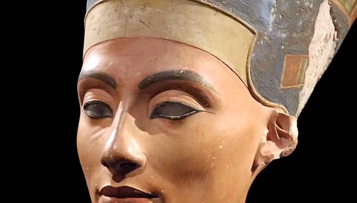 """""""Abbiamo trovato la tomba di Nefertiti"""": è la scoperta del secolo"""