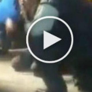 SACERDOTE ESORCIZZA IL RAGAZZO, QUELLO CHE ACCADE LASCIA TUTTI SENZA PAROLE -VIDEO CHOC