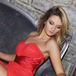 """EMANUELA PETRONI presenta la bellissima ASIA sul RED CARPET del più esclusivo locale di Testaccio """"LA CUEVA Live Club"""""""