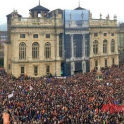 """Sì Tav, 40mila persone in piazza Castello. La sindaca: """"C'erano energie positive"""""""