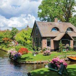 Giethoorn, il paese senza strade in Olanda