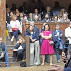 """""""Roma. Storie per ritrovare la mia città"""": Veltroni al Globe Theatre presenta il suo libro"""