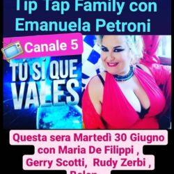 L'attrice comica di Rieti Emanuela Petroni su Canale 5 in TV con MARIA De FILIPPI, GERRY SCOTTI, RUDY ZERBI, SABRINA FERILLI, TEO MAMMUCARI, BELEN