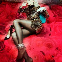 Emanuela Petroni presenta STEFANIA VISCONTI in TV su Canale Italia 11 come opera d'arte e protagonista di un bellissimo videoclip