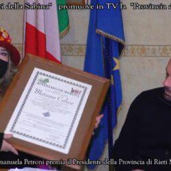 La Giornalista Emanuela Petroni premia il Presidente della Provincia di Rieti MARIANO CALISSE
