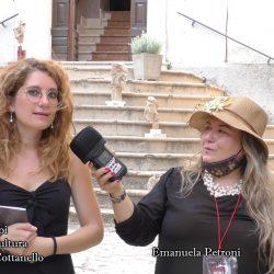 MONICA VOLPI presentata da EMANUELA PETRONI in TV su canale Italia 11